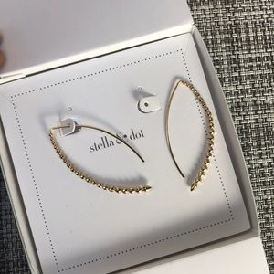 Stella & Dot Gold Halo Earrings